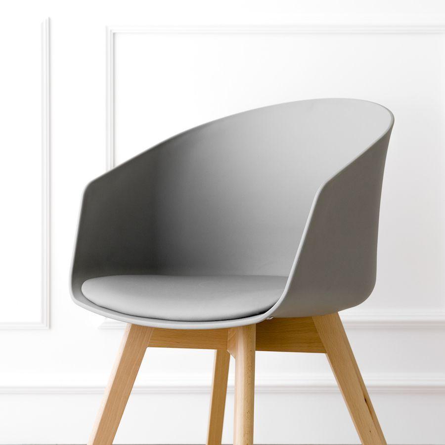 Scandinavian cadeira cinzenta