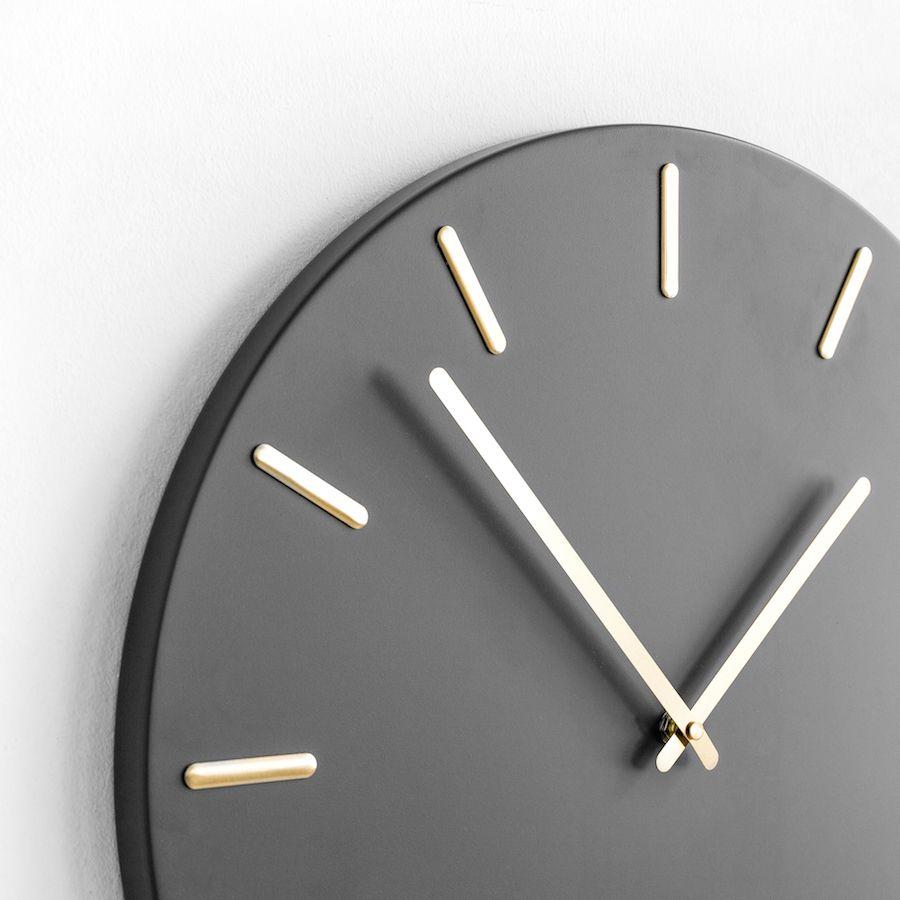Din reloj gris